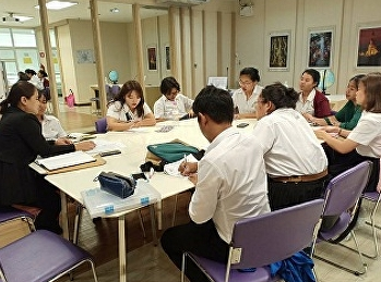 Lecturers and Students from Tourism Management held a meeting to follow up 'OTOP Community Development Project' and 'Aomsin Yuwaphat Rakthin Project