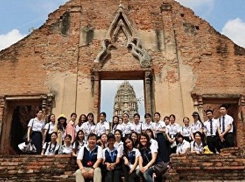 Lecturers and Students from Tourism Management led a Tour to Ayutthaya for Guilin University of Aerospace Technology Students