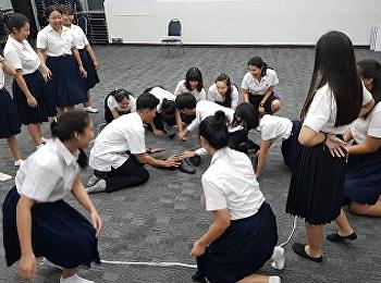 นักศึกษาชั้นปีที่ 1 สาขาการจัดการท่องเที่ยว มรภ.สวนสุนันทา ร่วมกิจกรรมการละเล่นไทยเพื่อสืบสานวัฒนธรรมและภูมิปัญญาของชาติ